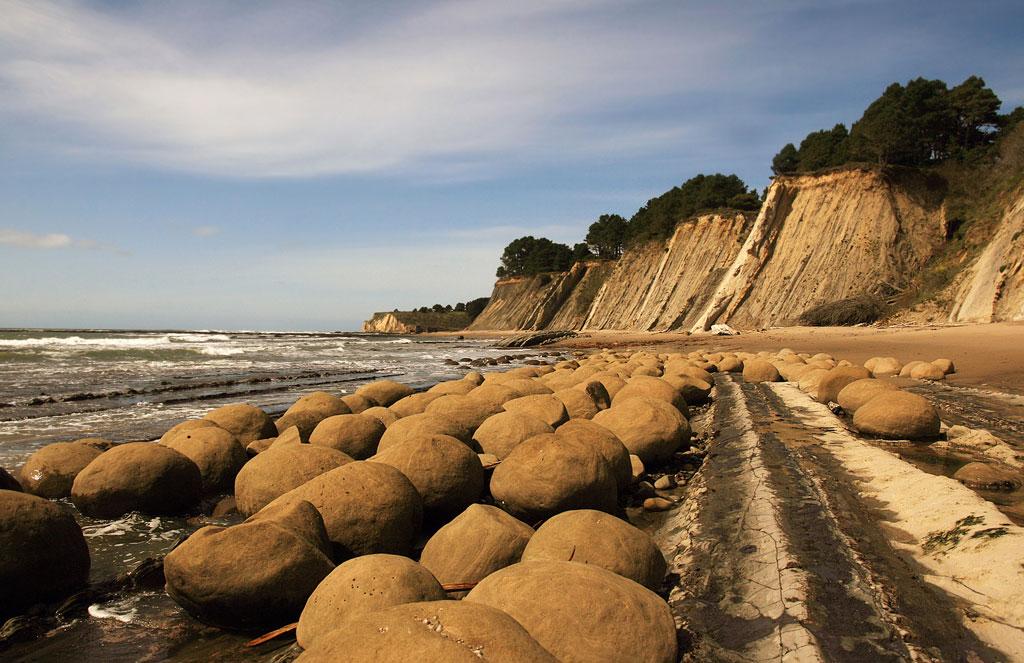 Пляж катящихся камней