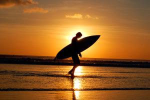 Сёрфинг на Бали: школы и лагеря