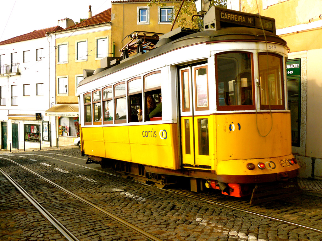 Прогулка на раритетном трамвае №28