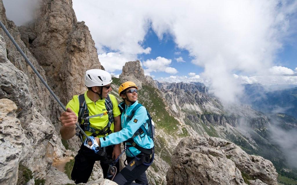 Восхождение на вершину горы Мармолада