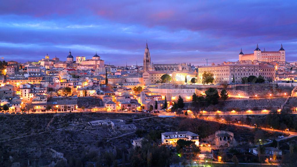 Испания ночью