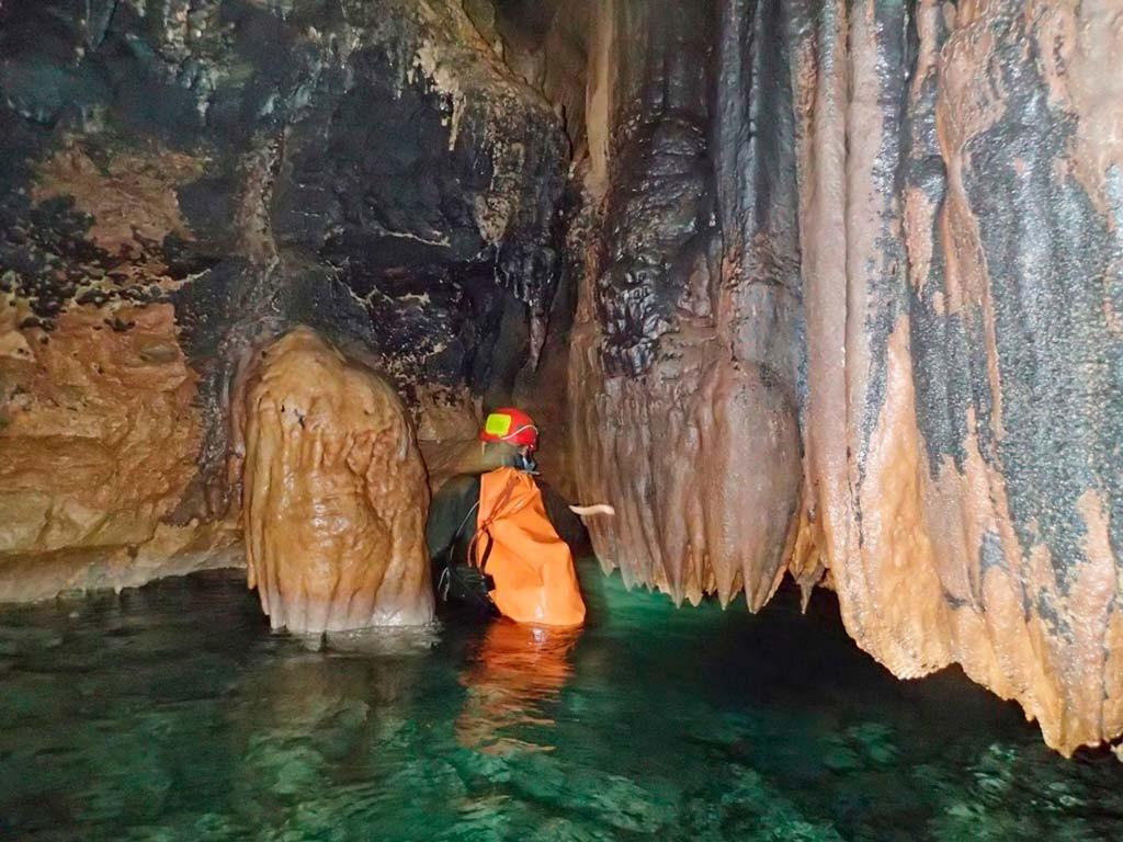 Красная пещера Кизил-Коба