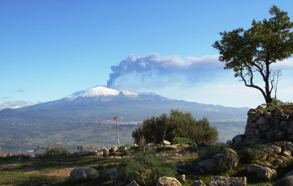 Вулкан Этна на Сицилии