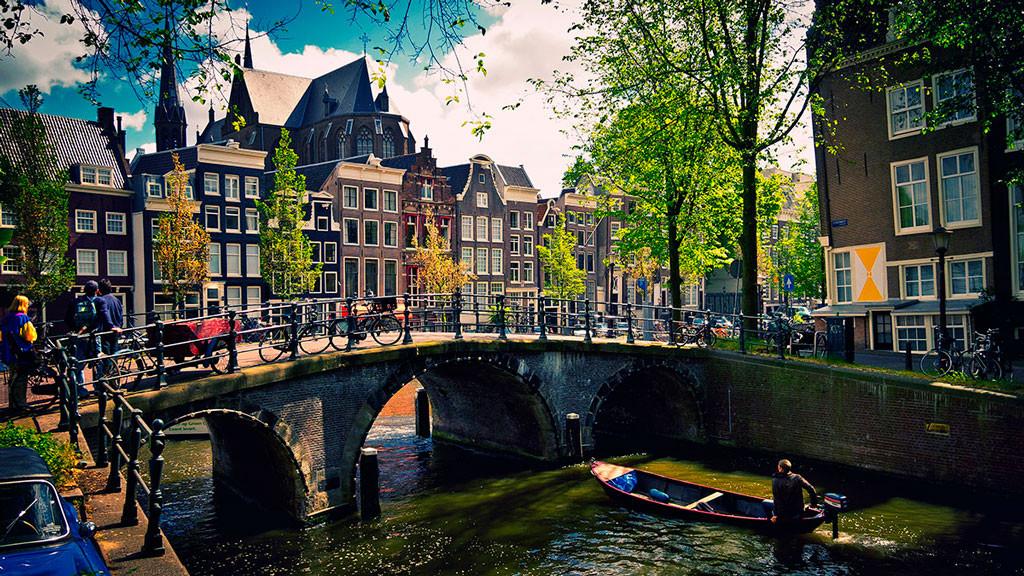 из аэропорта до центра Амстердама