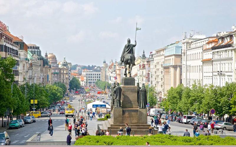 памятник Мыслбека, Прага