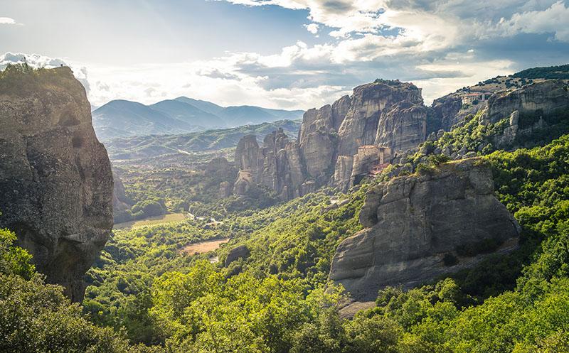 Монастыри Метеоры в Греции: история, фото, описание