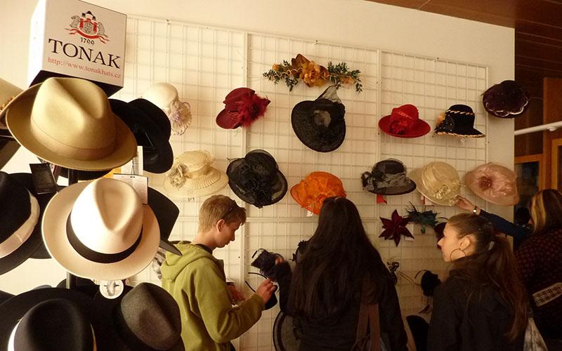 Шляпы Tonak