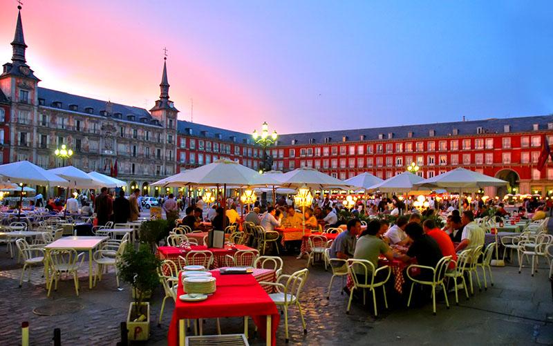 Испания для детей: советы, виза, отели, курорты, развлечения