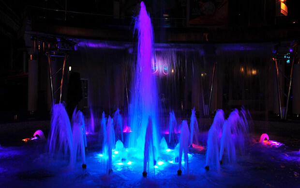 Поющие фонтаны на Платановой аллее