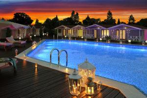 Отели Анапы всё включено с бассейном и со своим пляжем