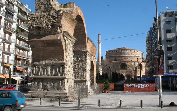 Арка и гробница Галерия