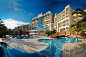 Отели Черногории со своим пляжем и всё включено