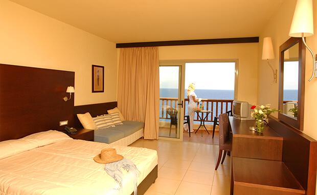Отель Sea Side Resort & Spa