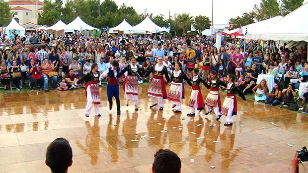 Поучаствовать в фестивалях Греции