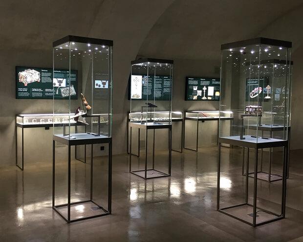 museum-garnet