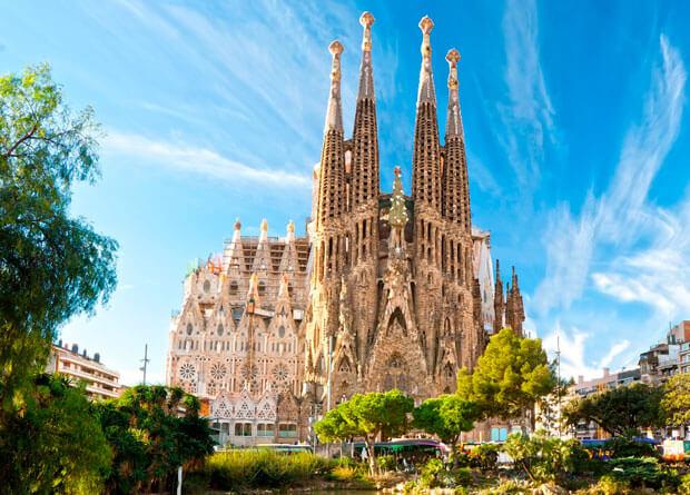 7 шедевров Барселоны за 4 часа на машине