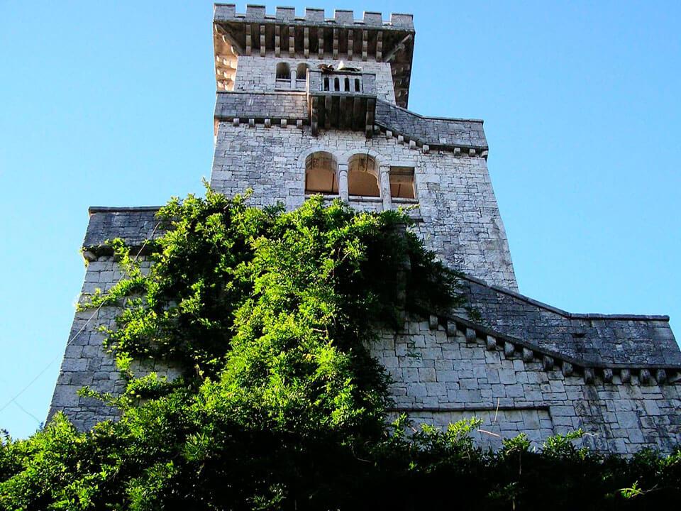 Cмотровая «Белая башня» на горе Большой Ахун