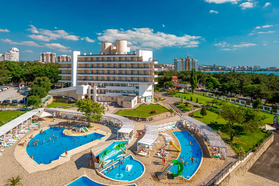 Alean Family Resort & SPA Biarritz 3*, Геленджик