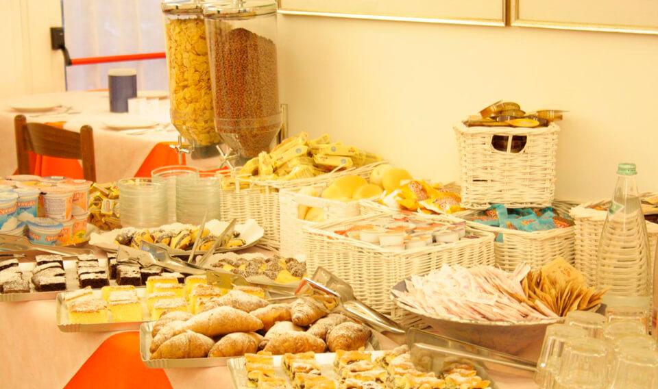 Туры в Римини (Италия) на 7 ночей, отели 3-4*, завтраки от 58 217 руб за ДВОИХ — июль