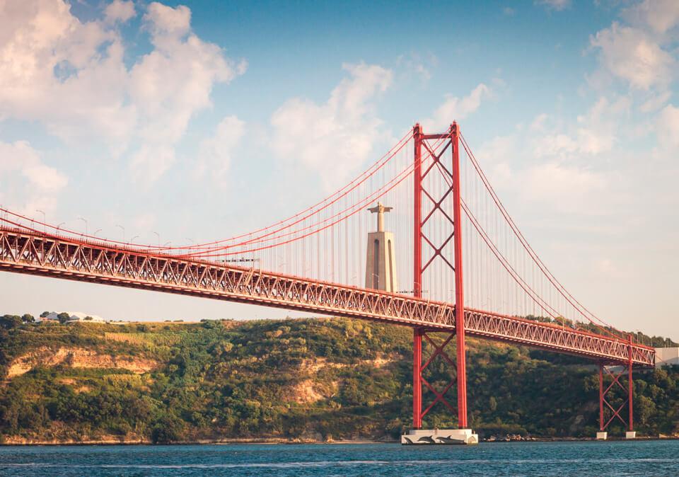 Мост 25 апреля, Лиссабон