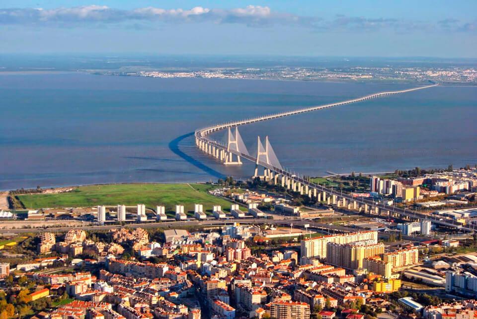 Мост Васко да Гама, Лиссабон