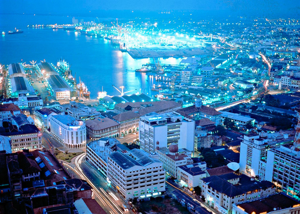 the city of colombo The business district of colombo, with government buildings, banks, five-star hotels and department stores, is still called 'fort', because that is what it once was.