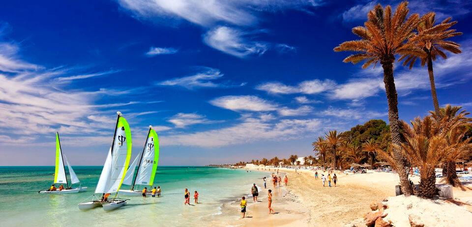 Где отдохнуть на море в августе - 13 лучших направлений