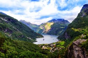 Гейрангер-фьорд в Норвегии