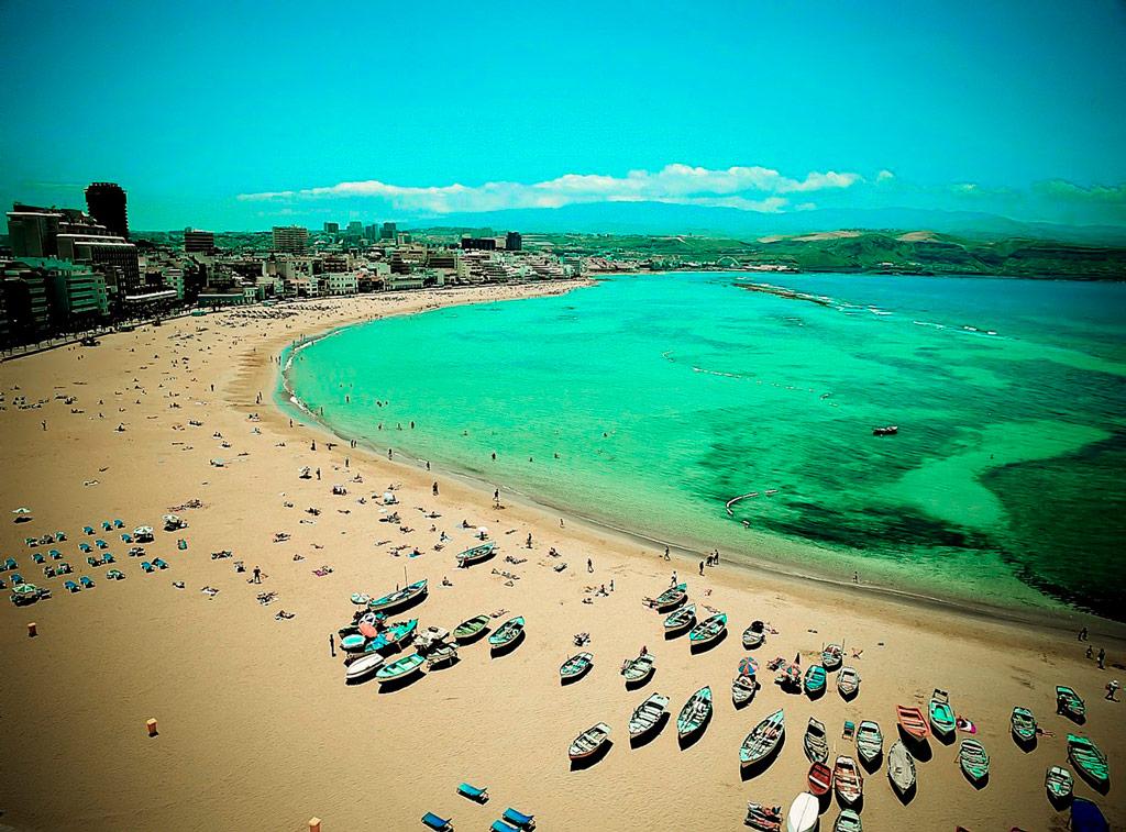 что на всех пляжах страны фото нередко сопровождается