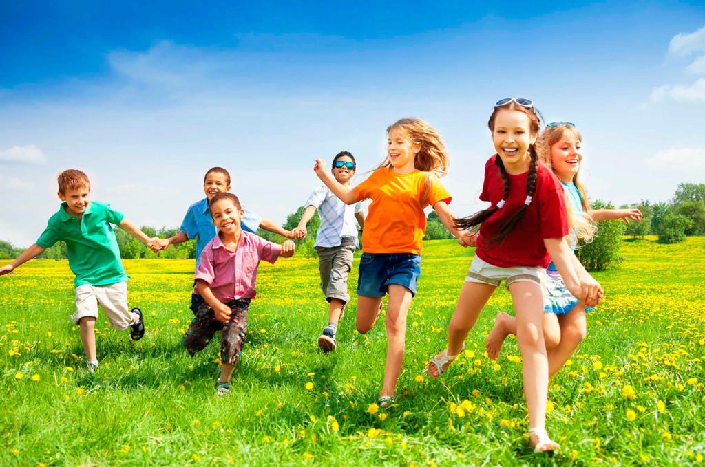 начать веселая фото с детьми нашей стране