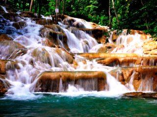 Водопады реки Данн на Ямайке