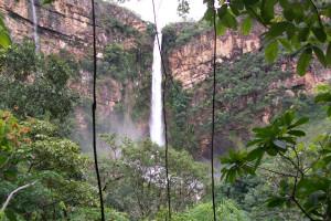 Водопад Итикира в Бразилии