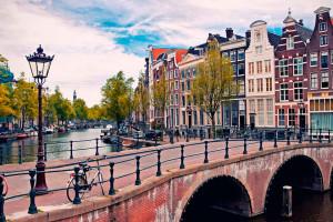 Как добраться из аэропорта до центра Амстердама