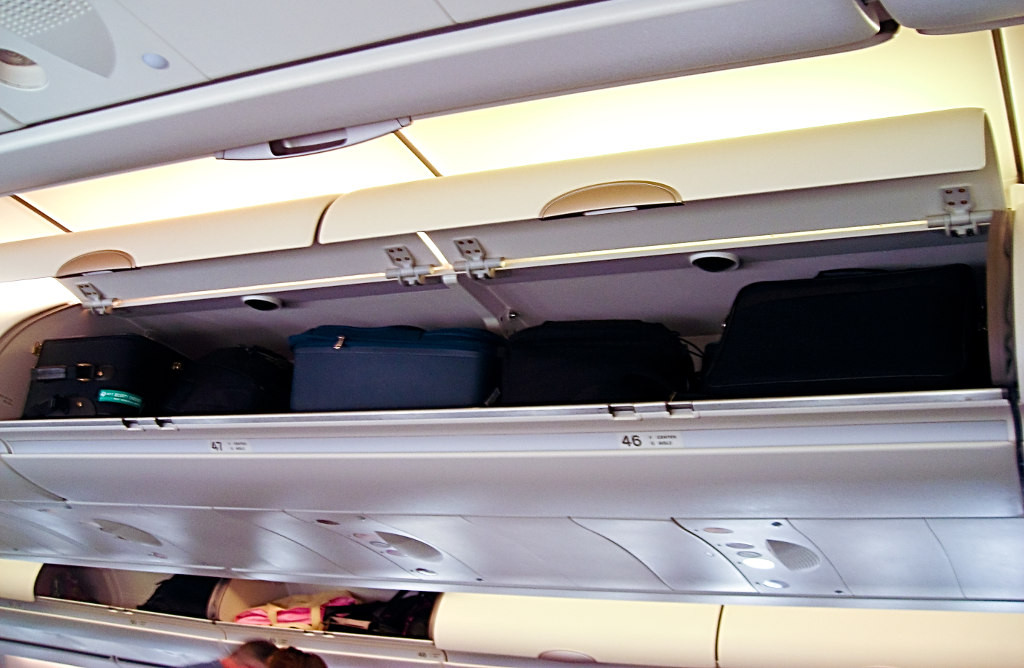 Luggage_compartments_Airbus