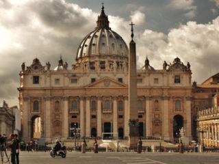 Как купить билеты в Ватикан и пройти без очереди