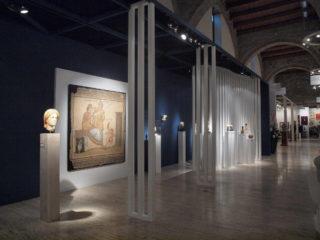 Уникальная выставка антиквариата открылась в Барселоне