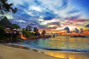 9 идей, где отдохнуть в мае на море
