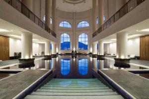 Отели курорта «Роза Хутор» с бассейном