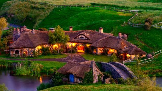 Деревня Хоббитон - сказочный мир, затерявшийся среди холмов