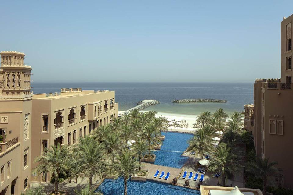 Sheraton Sharjah Beach Resort and Spa 5*, Шарджа