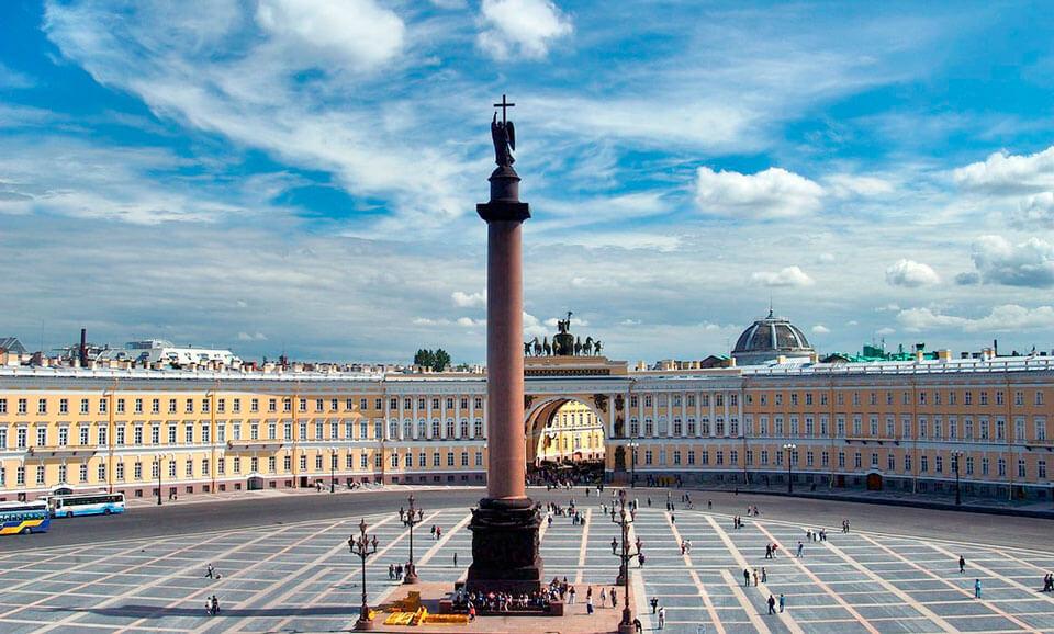 Дворцовая площадь с Александровской колонной, Санкт-Петербург