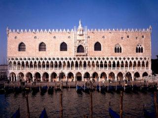 Дворец дожей – лучший пример итальянской готической архитектуры