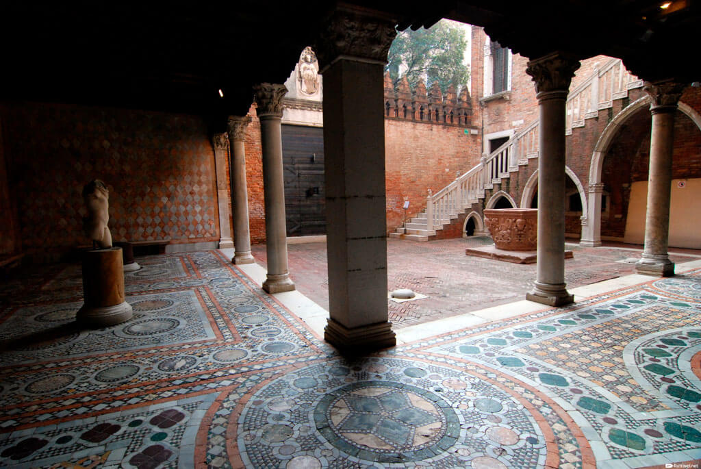 Дворец Ка'д'Оро (Ca' d'Oro), Венеция