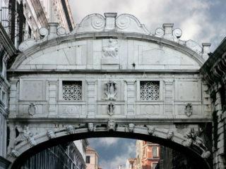 Мост Вздохов в Венеции – романтическое место с тёмным прошлым