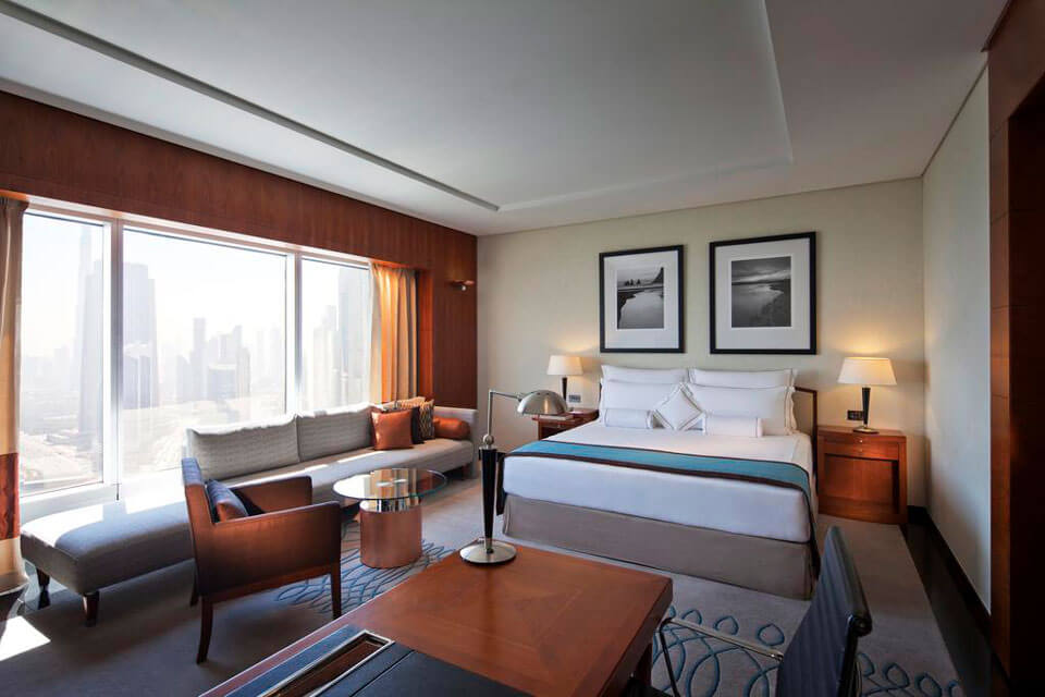 Jumeirah Emirates Towers 5*, Дубай