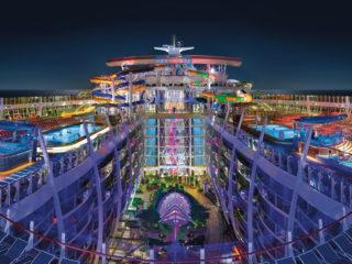 Лайнер Symphony of the Seas — 10 лучших круизов