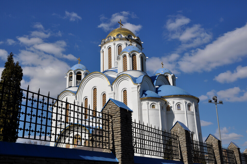 Церковь Покрова Пресвятой Богородицы в Ясенево, Москва