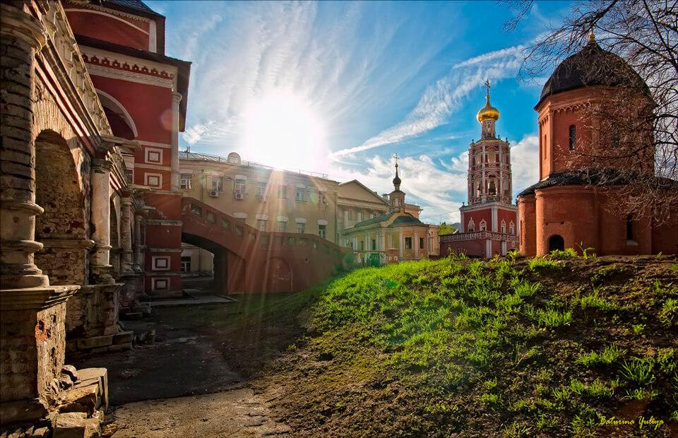 Высоко - Петровский монастырь, Москва