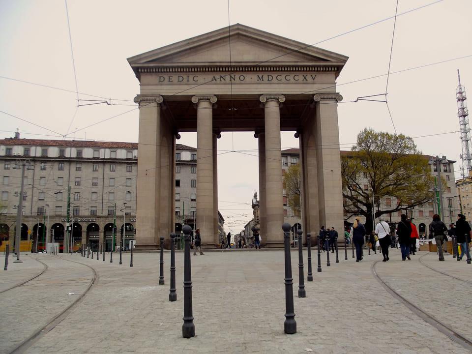 Ворота Порта Тичинезе, Милан