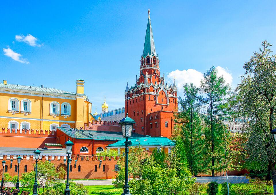Александровский сад и Кремль, Москва